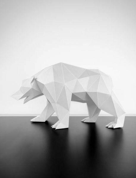 Papercraft lowpoly bear