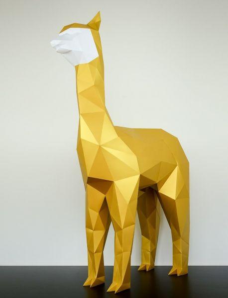 Papertrophy Alpaca Statue
